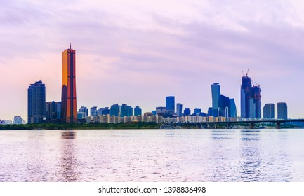 Panoramic Sunset at 63 Building and hangang river best view landmark and traffic on evening time in Seoul,South Korea