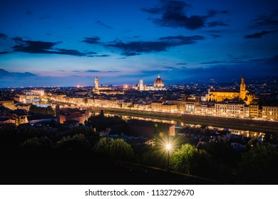 Panoramic sunset over Palazzo Vecchio and Cathedral of Santa Maria del Fiore (Duomo), Florence, Italy