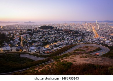 Panoramic sunset view of San Francisco from Twin Peaks, California, USA