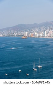 Panoramic view of Acapulco bay