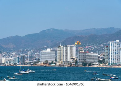 Panoramic view of Acapulco bay