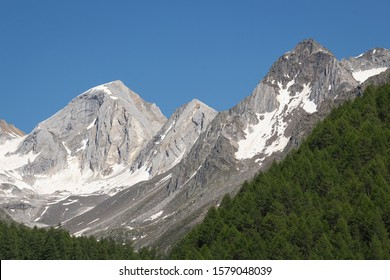 """panoramic view of alpine valley Pfossental, Südtirol (Val Fosse, South Tyrol/Italy) with mountains Hochweisse (Cima Bianca Grande) and Hochwilde (Cima Altissima) in national park """"Texelgruppe"""""""