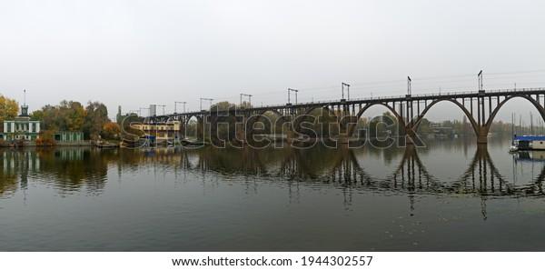panoramic-view-arched-railroad-bridge-60