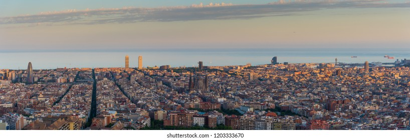 PANORAMIC VIEW OF BARCELONA FROM Canons del Carmen
