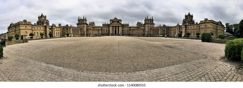 A panoramic view of Blenheim Palace