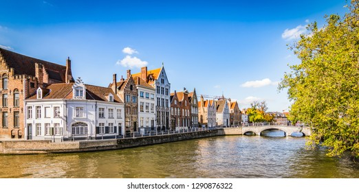 Panoramic view of Bruges canal.