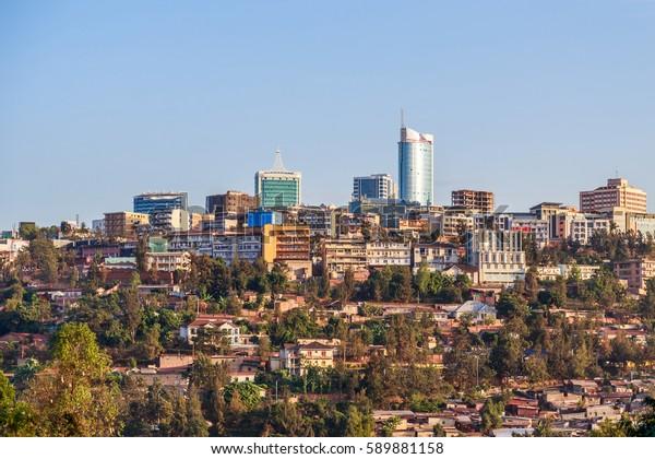 Vista panorámica en el distrito financiero de Kigali, Ruanda, 2016