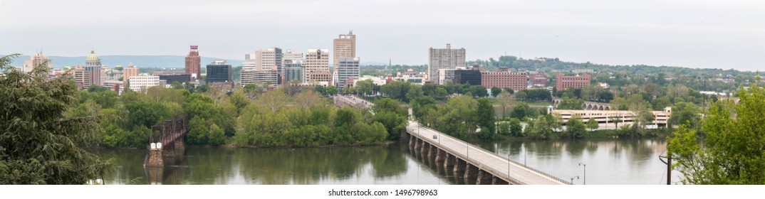 Panoramic view of the city of Harrisburg in Pennsylvania