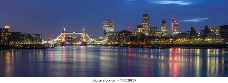 Panoramic view of the city of London with Tower Bridge and the skyscrapers of the square mile