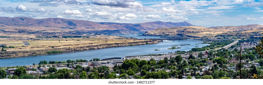 A panoramic view of the Columbia River, the city of the Dalles, and The Dalles Dam, Oregon