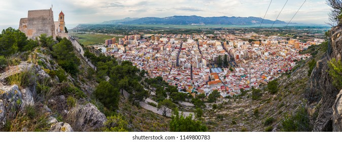 Panoramic view of Cullera town and its castle
