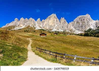 Panoramic view of Dolomite peaks of Pizes da Cir, Passo Gardena at Autumn, South Tyrol, Italy. Gardena Pass, Trentino Alto Adige, Italy. Passo Gardena, alpine pass between Val Badia and Val Gardena.