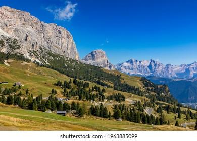 Panoramic view of Dolomite peaks of Pizes da Cir, Passo Gardena at Autumn, South Tyrol, Italy. Gardena Pass, Trentino Alto Adige, Italy. Passo Gardena, alpine pass between Val Badia and Val Gardena.