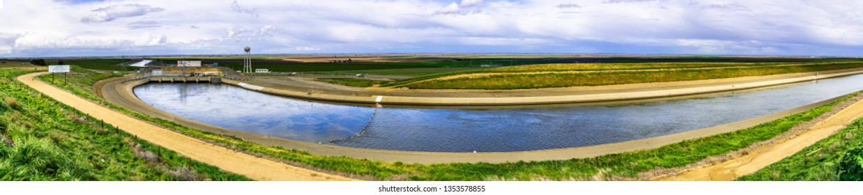 """Panoramic view of the """"Dos Amigos"""" pumping plant which pushes water up hill on the San Luis Canal, part of the California Aqueduct system; Los Banos, central California"""