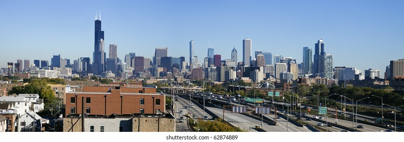 Panoramic view of downtown Chicago from the south side