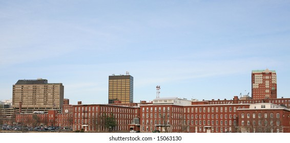 A panoramic view of the downtown Manchester, NH skyline.