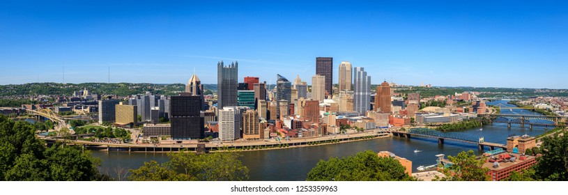 Panoramic view of downtown Pittsburgh, Pennsylvania