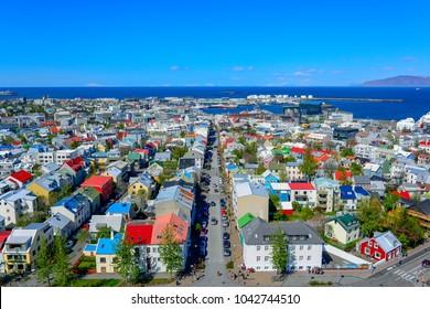 Panoramablick auf die Innenstadt von Reykjavik, der Hauptstadt von Island.
