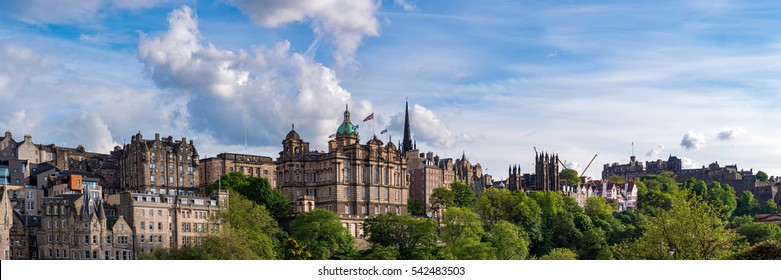Panoramic view of Edinburgh's Historic Old Town, part of the UNESCO World Heritage. Scotland, UK