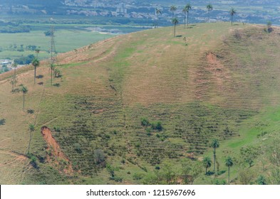 Panoramic view of hill without vegetation and erosion in Aparecida, São Paulo, Brazil, 2015.