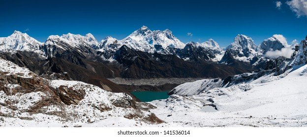 Panoramic view of Himalaya summits: Everest, Lhotse, Nuptse and others. Large resolution