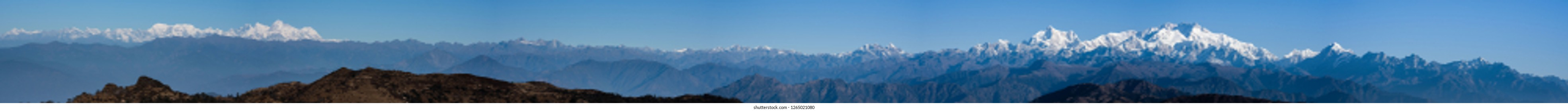 Panoramic view of himalayas mountains, Mount Everest and Kanchenjunga peak viewed from Sandakphu, Dajeeling, India