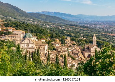 Panoramic view of the historic town of Assisi and Famous Papal Basilica of St. Francis of Assisi (Basilica Papale di San Francesco) Umbria, Italy
