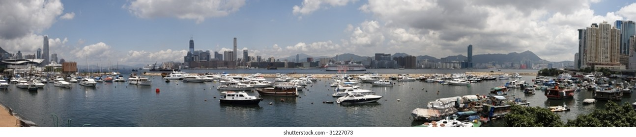 Panoramic view of the Hong Kong harbor from causeway bay