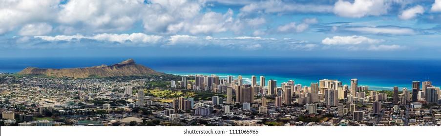 Panoramic view of Honolulu city, Waikiki and Diamond Head from Tantalus lookout