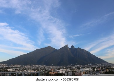 A panoramic view of an iconic mountain in Monterrey
