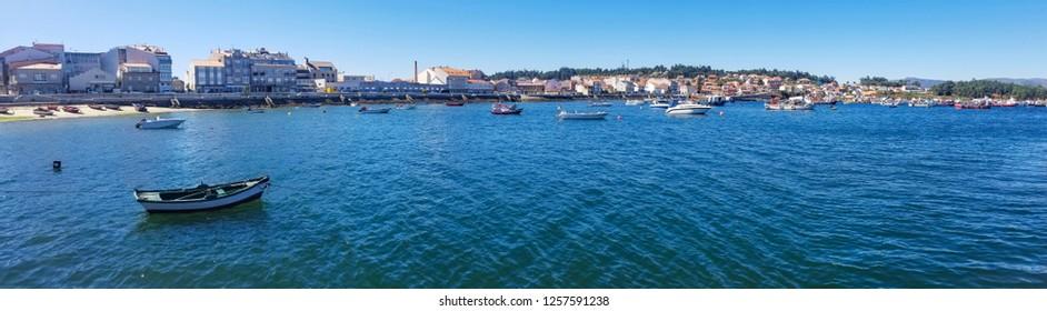 Panoramic view of Illa de Arousa village seafront