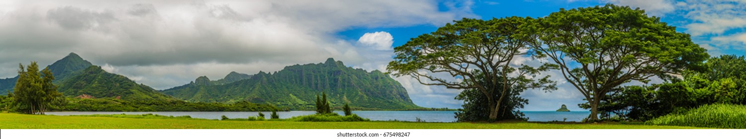 Panoramic view of the Koolau mountains and Kaneohe Bay with a view of Chinaman's Hat island on Oahu, Hawaii