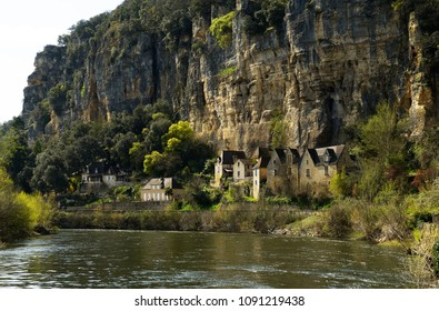 Panoramic view at La Roque-Gageac village, located in french Black Perigord on banks of the Dordogne river, It is one of the most beautiful village, in France.