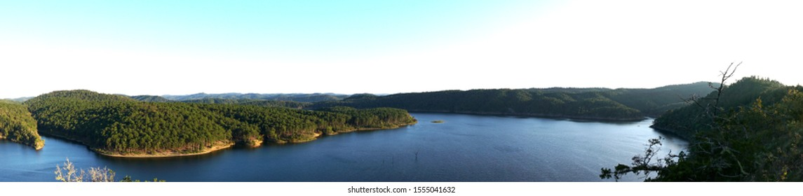 A panoramic view of a lake in Broken Bow, Oklahoma