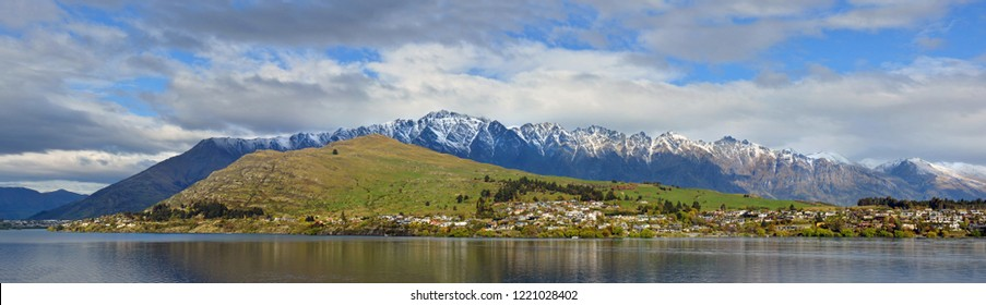 Panoramic view of Lake Wakatipu, The Remarkables & Kelvin Heights, Queenstown, New Zealand