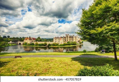 panoramic view at Leeds Castle and park