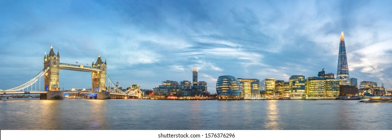Panoramic View of London at Dawn, Great Britain