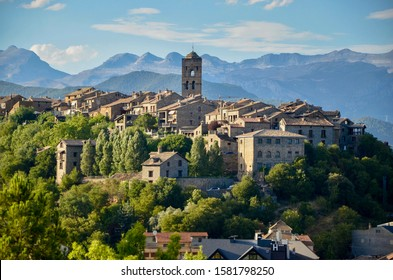 The panoramic view to Aínsa, the main town in the Aínsa-Sobrarbe municipal term, Aragon, Spain.