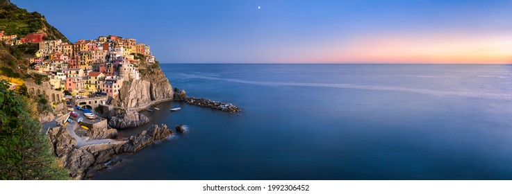 Panoramic view of Manarola, Cinque Terre, La Spezia, Ligurien, Italien