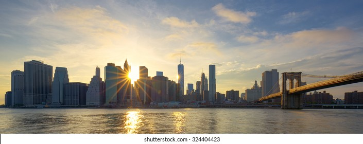 Panoramic view of Manhattan at sunrise, New York City.