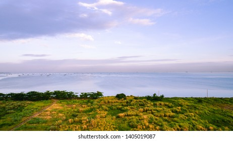 Panoramic view of Manila Bay as seen from the city of Paranaque, Rizal.