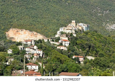 Panoramic view of a medieval village in the mountains of central Italy