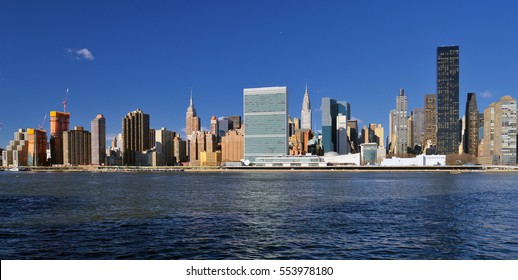 Panoramic view of the Midtown Manhattan at sunny day.