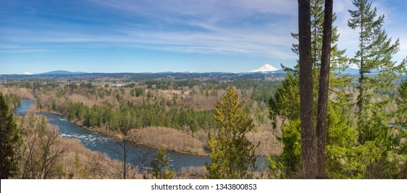 Panoramic view Milo McVier state park Oregon state.