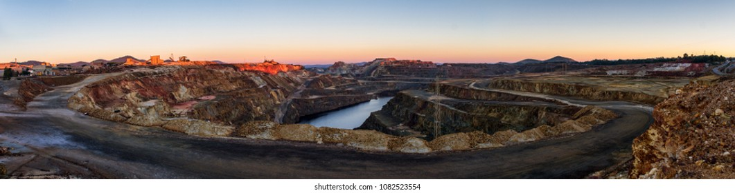panoramic view of a mine in Riotinto