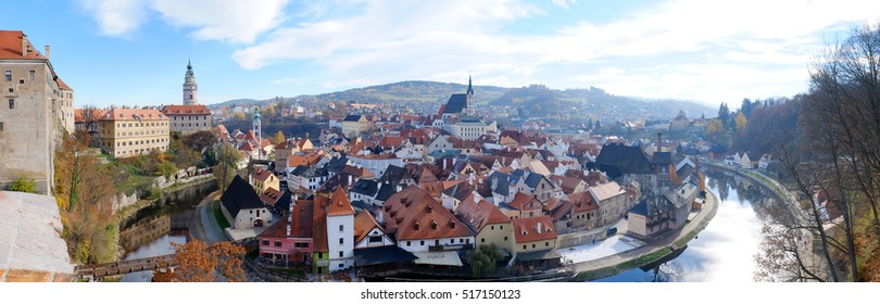 "Panoramic view of the most wonderful land of ""Cesky Krumlov"""