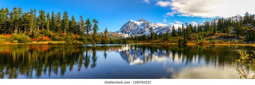 Panoramic view of Mount Shuksan, Washington-USA