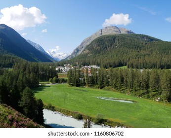 Panoramic view of the mountains around Pontresina