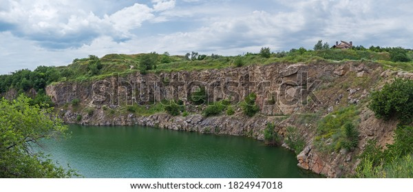 panoramic-view-old-flooded-stone-600w-18