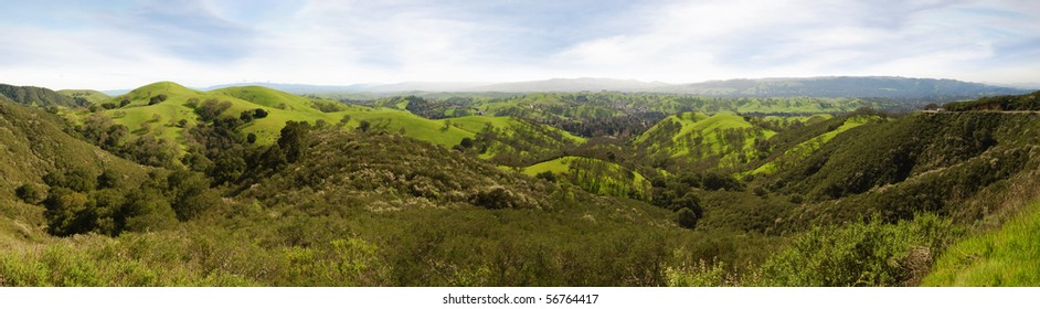 Panoramic view on a sunny day in winter from Mt Diablo state park in California, USA.